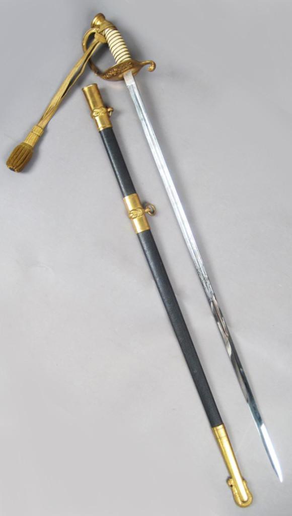 Antique US Military Sword & Scabbard: Militaria & Guns