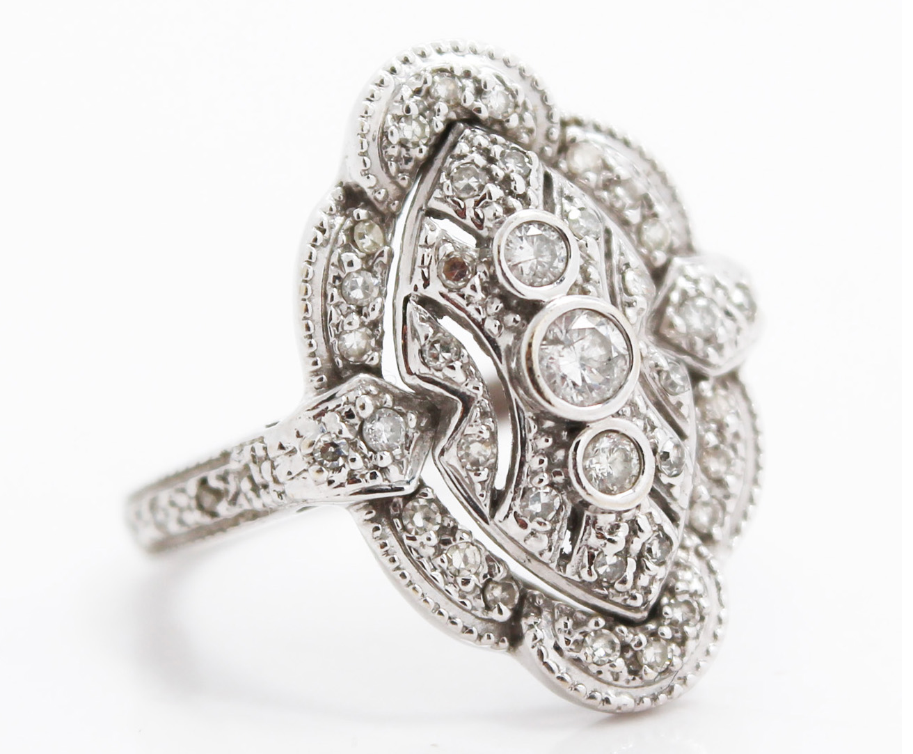 Antique Art Deco Diamond and White Gold Ring